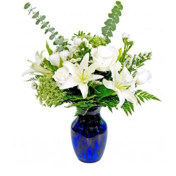 Ramo de lilium y rosas blancas