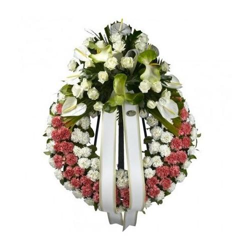 Corona de rosas y claveles