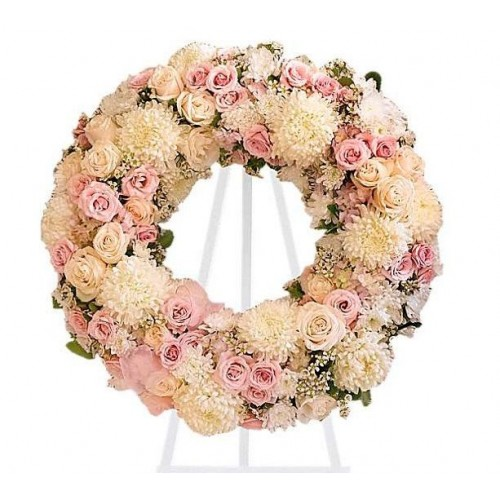 Corona de rosas y crisantemos